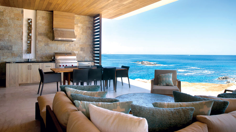FEATURED IN ROBB REPORT